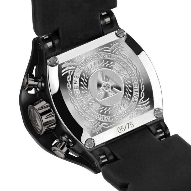Schwarz auf schwarzer Uhr gravierter Gehäuseboden