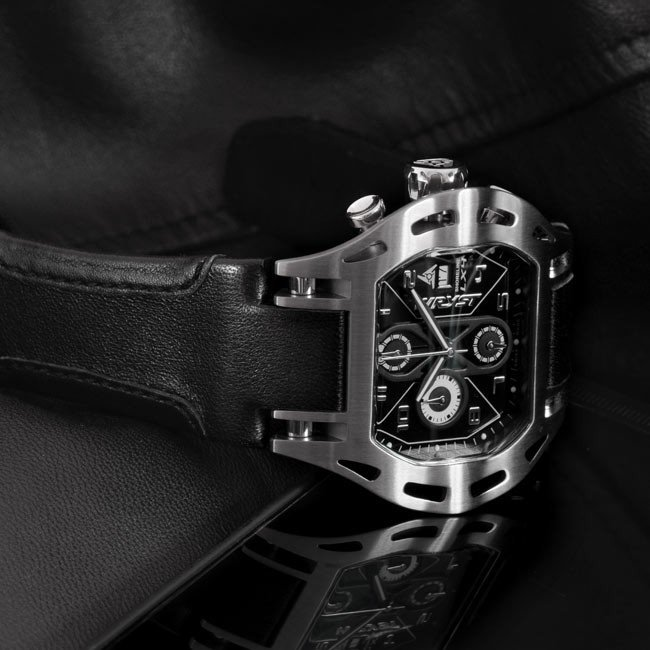 Stainless steel men Sport Watch with leather strap