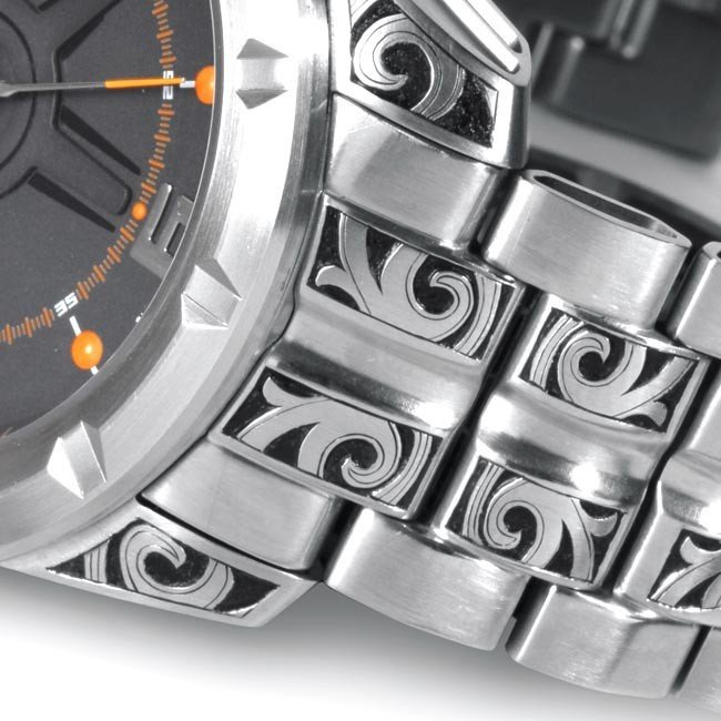 Hand Engraved Watch details