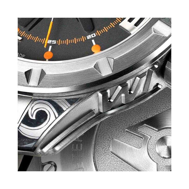 Wryst Ultimate ES51 Hand Gravierte Uhr