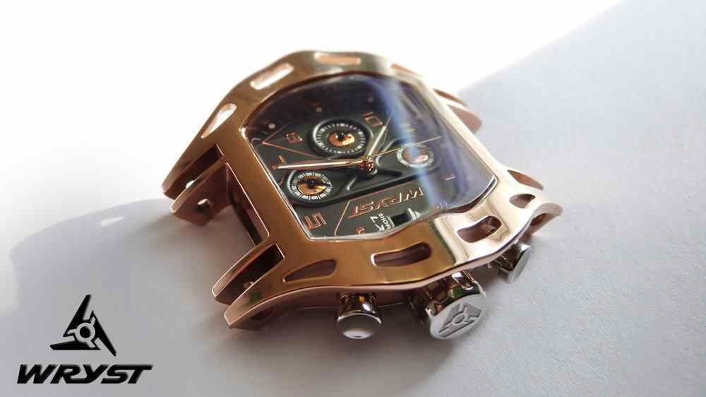 Rose_gold_sport_watch_2014