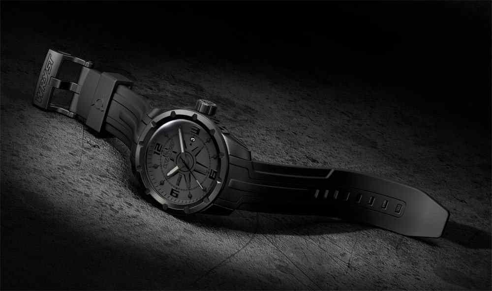 Montre Noire All Black Swiss Made revêtement DLC noir