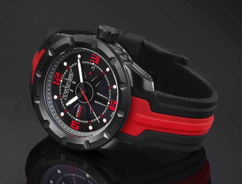 montre de sport noire swiss made
