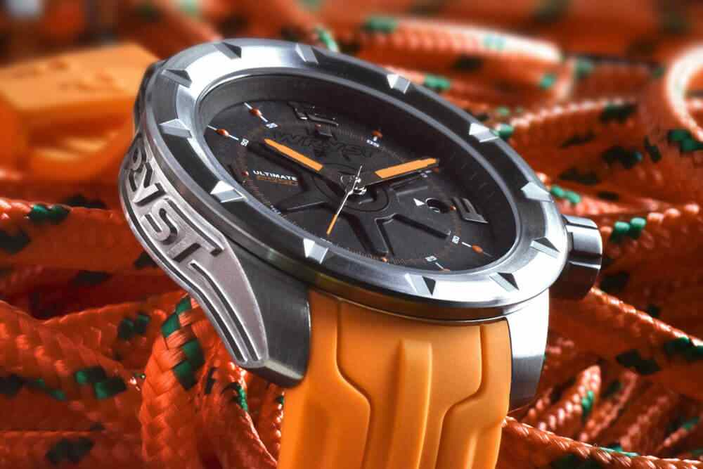 Montre de sport orange pour homme swiss made