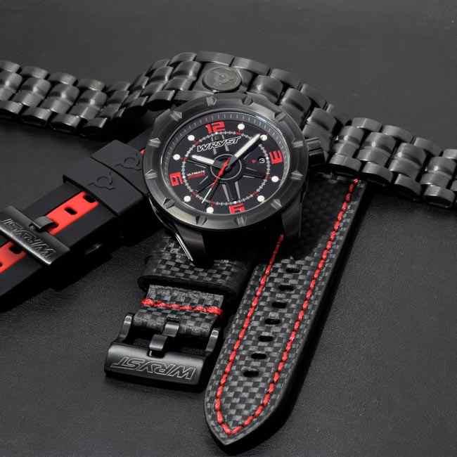 Montre noire fibre de carbone bracelet noir et rouge