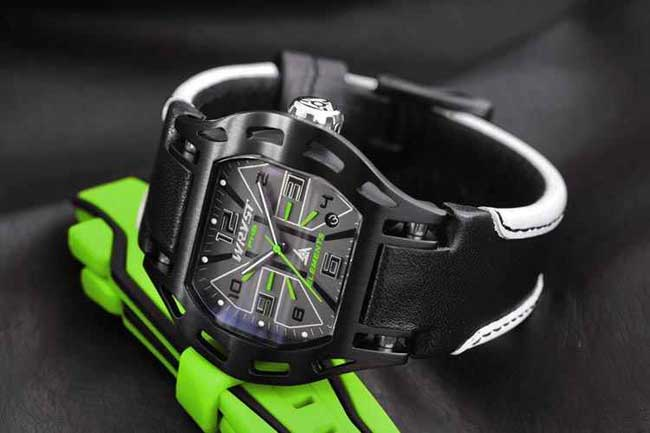 Relojes Swiss Made negros