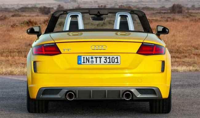 Rückseite des Sportwagens Audi TT 2019