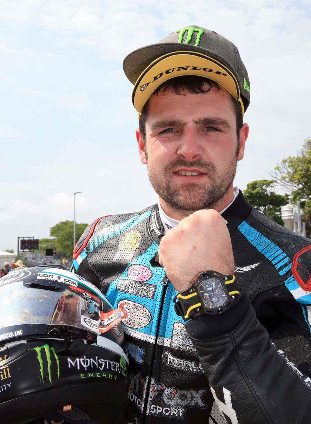 supersport tt 1 winner michael dunlop