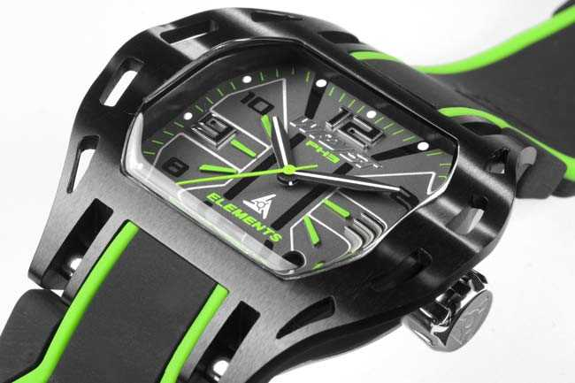 Black and Green Watch Wryst PH3