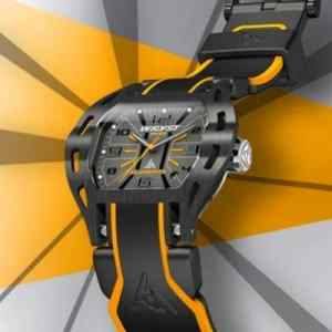 Steel watch for sports with scratch-resistant black DLC coating