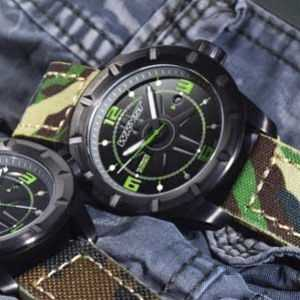 Swiss Army watch Wryst ES30 in black with camouflage bracelet