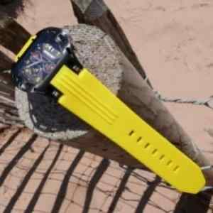 Pictures of the sport watch Wryst FW4 on sand dunes by the sea